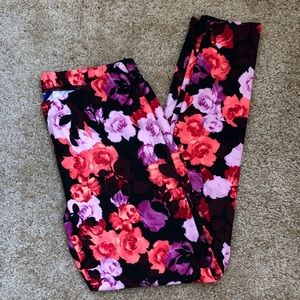 Floral stretchy pants